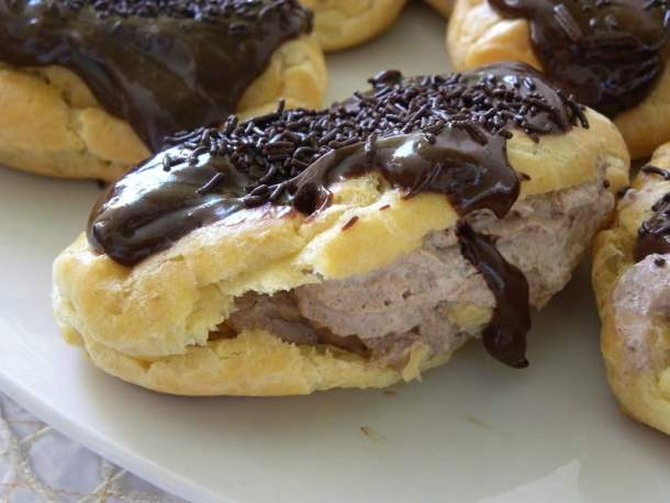 eclairs with pastry cream