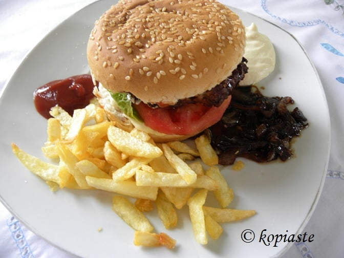 mpiftekia with bun and patates tiganites
