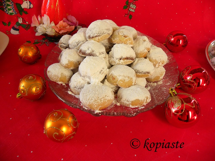 Kourabiedes with ornaments