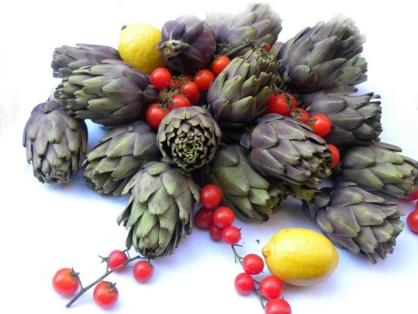 artichokes and baby tomatoes image