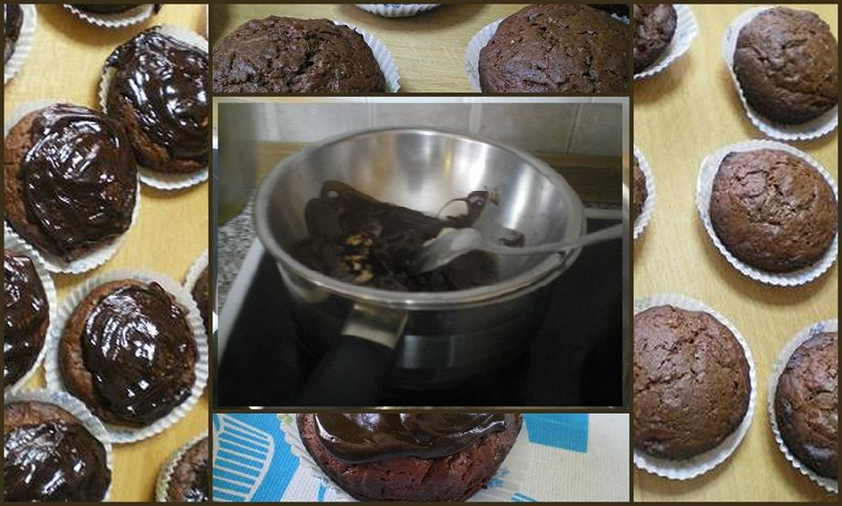 glazing-cupcakes-with-ganache