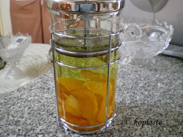 φλούδες πορτοκαλιού στο αλκοόλ