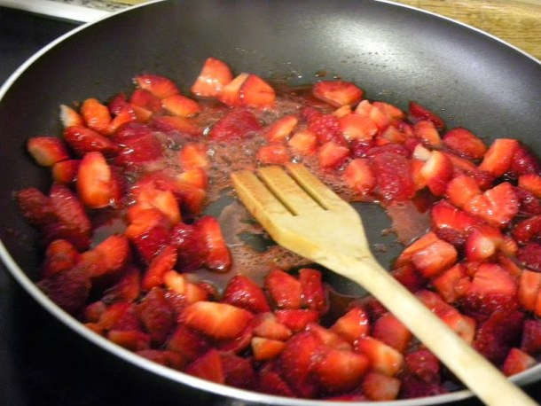 Cooking strawberry sauce image
