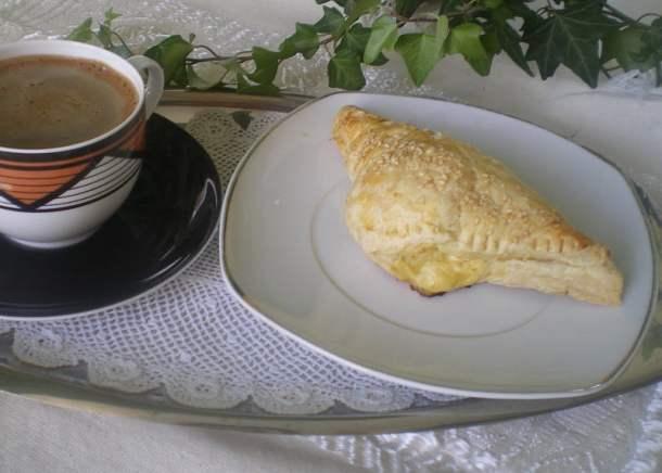 Tyropitakia with greek coffee