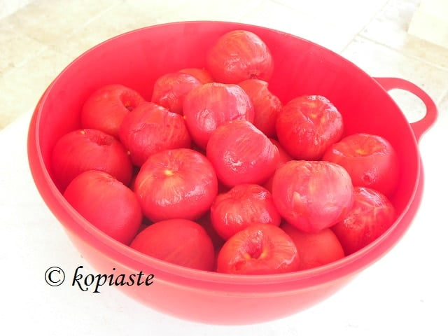 Peeled tomatoes