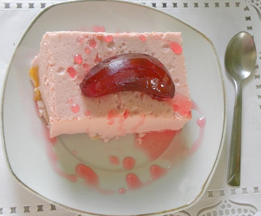 Yoghurt Pomegranate mousse image