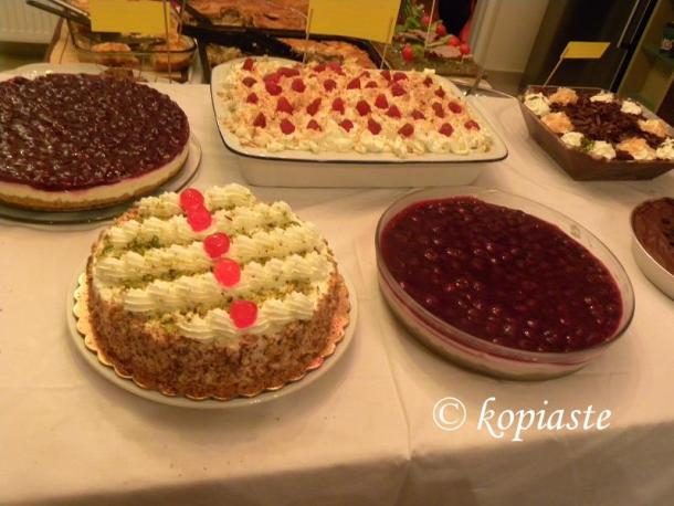 Various desserts image