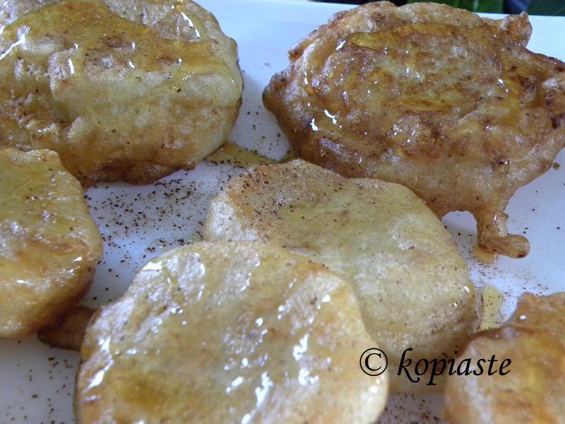 Apple Xerotigana Fritters