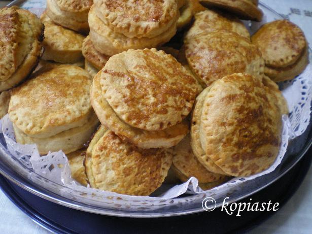 Double apple pies