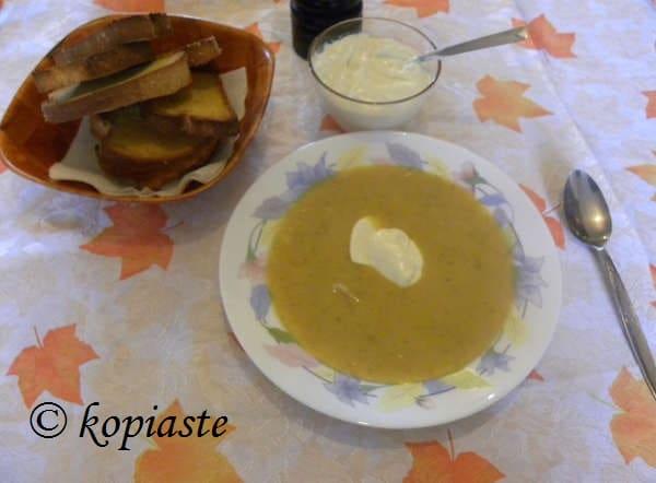 Leek and taro soup