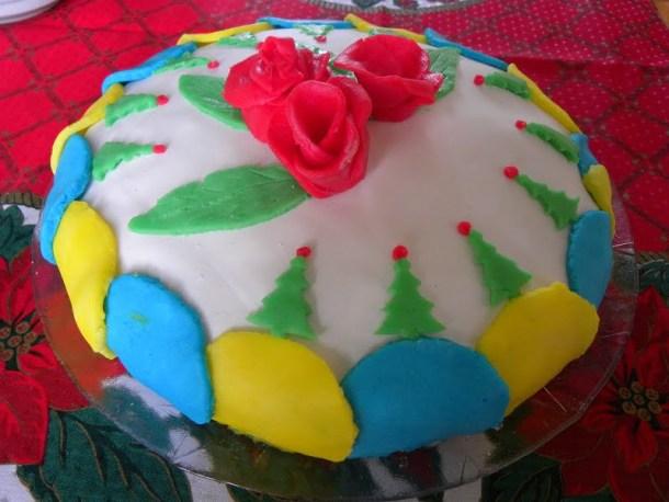 Cake with fondant image