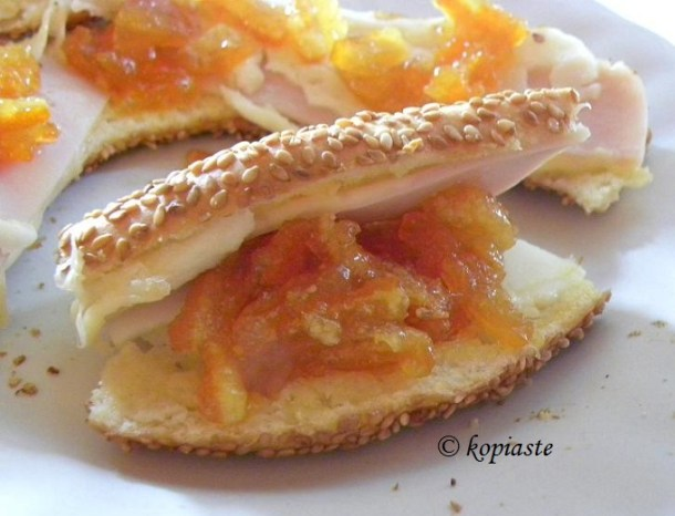 Koulouri and citrus jam