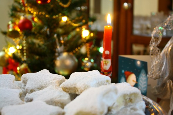 Christmas kourabiedes with candle