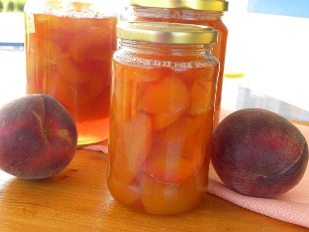 peaches in jars image