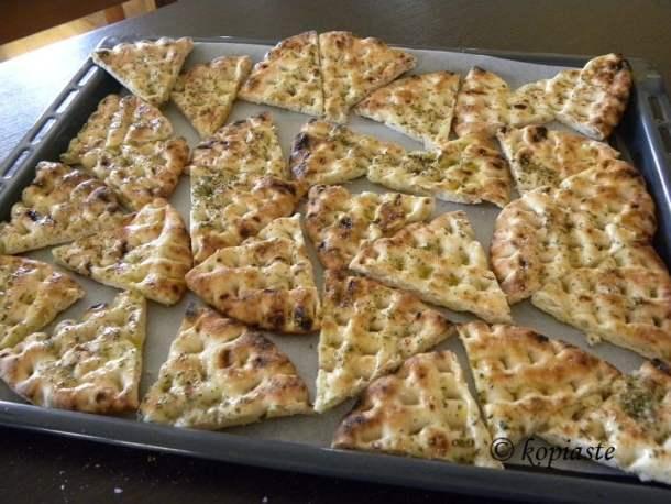 Greek pita chips