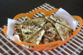 How to make Greek pita chips image