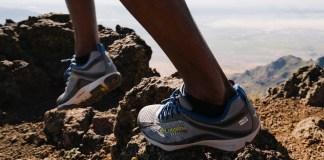 Merk Sepatu Buat Naik Gunung