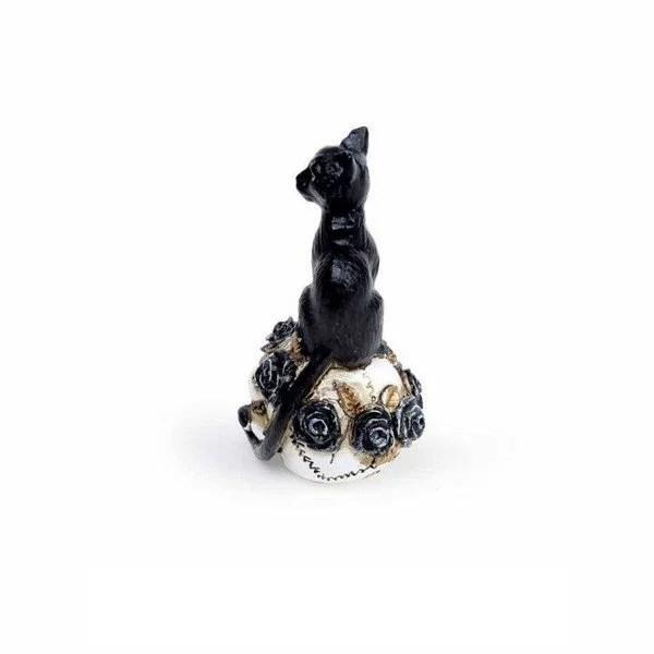 Miniature Chat sur crâne en résine