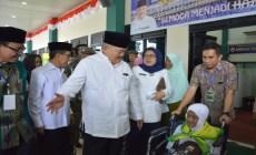 Permalink to Alex Noerdin Lepas 449 JCH Embarkasi Palembang