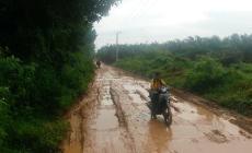 Permalink to 15 Tahun Jalan Menuju Desa Hidup Baru Serupa Kubangan Lumpur