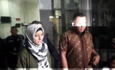Permalink ke Inneke Koesherawati Turut Diamankan KPK Bersama Suaminya Atas Kasus Suap Kalapas Sukamiskin