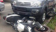 Permalink to Ngantuk, Mobil Tabrak Tiga Motor