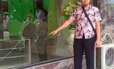 Permalink to Dapat Bisikan Makhluk Halus, Alamsyah Pecahkan Kaca Lobi Hotel