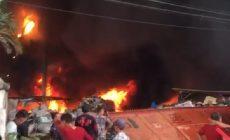 Permalink to Diduga Kelalaian Pekerja, Gudang Barang Bekas di Palembang Ludes Terbakar