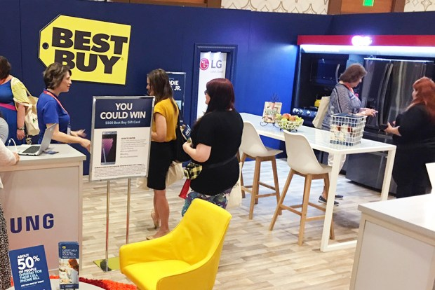 Best Buy Booth BlogHer