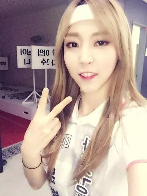 up10tion_1439236271_moonbyul