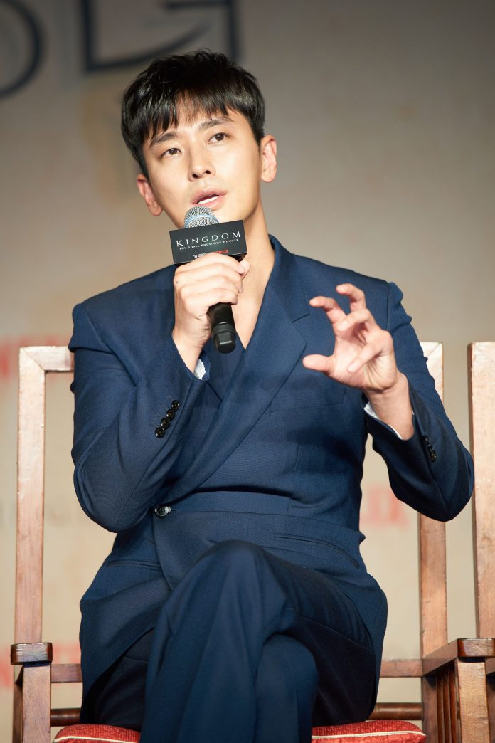 SEOUL, SOUTH KOREA - JANUARY 21: Ju Ji-hoon attends the Netflix 'Kingdom' press conference on January 21, 2019 in Seoul, South Korea. (Photo by Handout/Netflix via Getty Images)