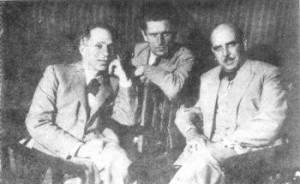 Ο Δημήτρης Γληνός (δεξιά) μαζί με τον Κώστα Βάρναλη (αριστερά) το 1935 στη Μόσχα, λίγο πριν την κοινή τους εξορία στον Αη Στράτη.