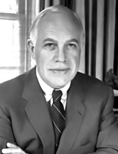 Ο καινοτόμος διευθυντής (1948-1968) του Μουσείου Καλών Τεχνών του Ρίτσμοντ Λέσλι Τσικ. Φωτογραφία: KFFOWLER (Own work) [CC BY-SA 3.0 , via Wikimedia Commons]