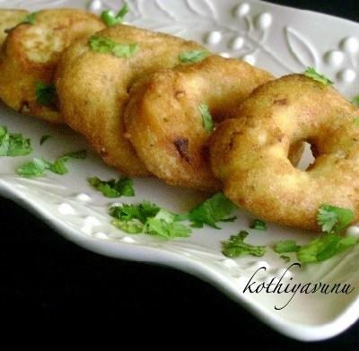 Uzhunnu Vada Recipe – Medu Vada Recipe – Urad Dal Fritters Recipe