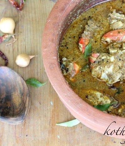 Nadan Njandu Varutharacha Curry Recipe | Spicy Crab Curry with Roasted Coconut