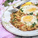 Sali Par Eedu-Eggs on Potato-Straws |kothiyavunu.com