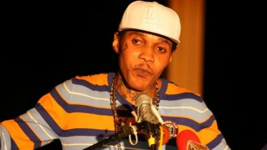 Photo of Vybz Kartel Ft. Squash – Moon Walk Lyrics
