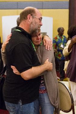 Eddie Sue Icon Hug 250