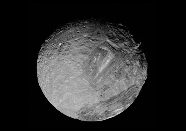 Miranda-Voyager-2