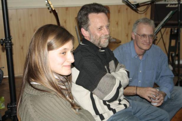 Kővirág facebook, középen László József