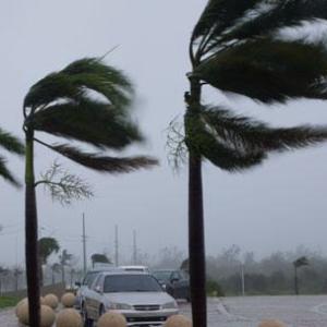 vientosmotivo 300x300 - Se esperan fuertes ráfagas de viento hasta la noche del sábado