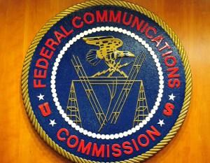 0930 oag fcc - FCC limita operaciones en su portal de Internet