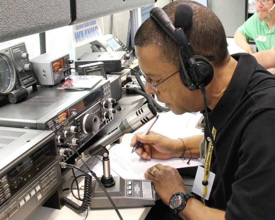 Radioaficionados preparándose para la temporada de huracanes del Atlántico «superior a la media» prevista, KP3AV Systems
