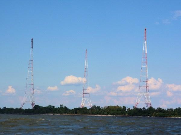 NSS Annapolis Towers 1 - Miembros del Potomac Valley Radio Club activaran el distintivo NSS para el Día de las Fuerzas Armadas