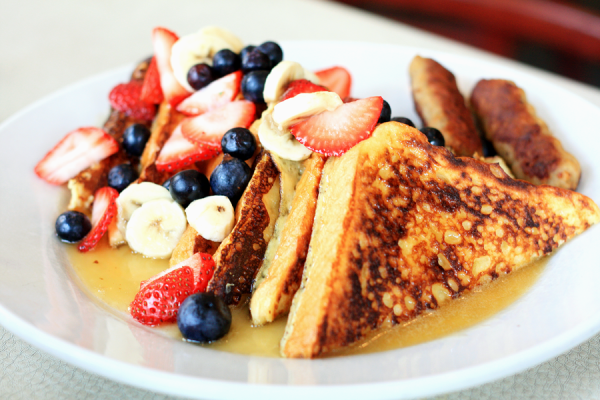Booksellers-Bistro-Memphis-Creme-Brulee-French-Toast