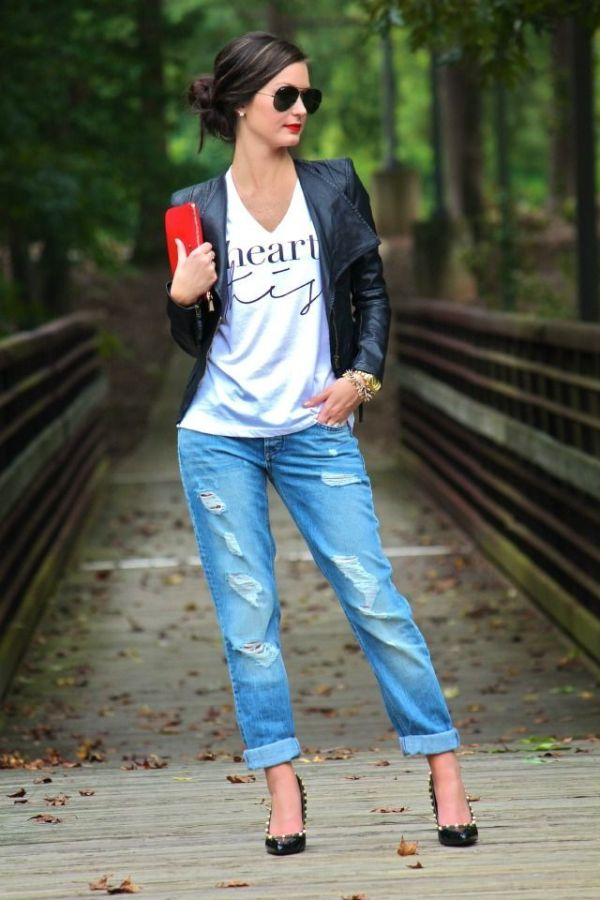 graphic tee boyfriend jeans