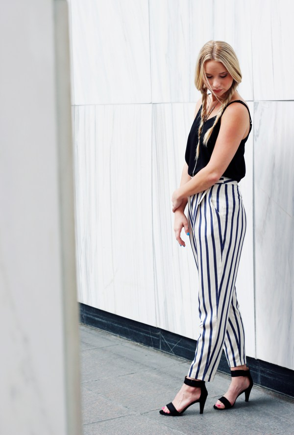 vertical-striped-pants