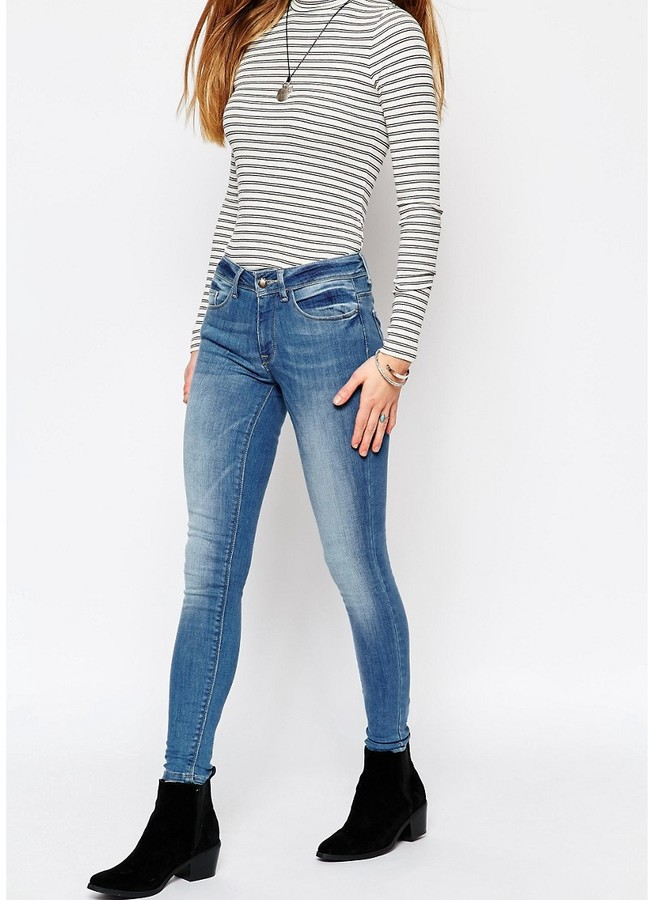 Must-Haves | Skinny Denim