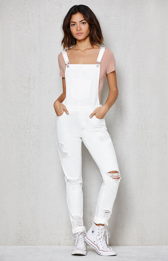 PACSUN WHITE RIPPED SKINNY OVERALLS