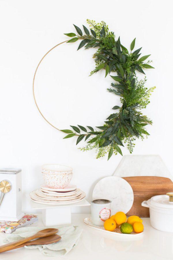 A Minimalist DIY Fall Wreath